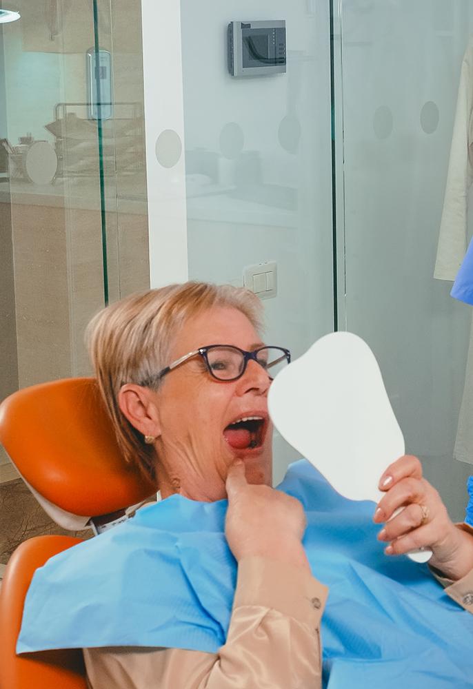 implanturi-dentare-brasov
