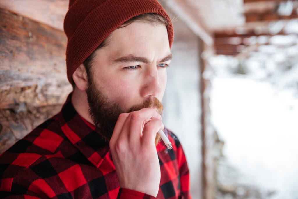 Implanturile și tutunul: tot ce trebuie să știi